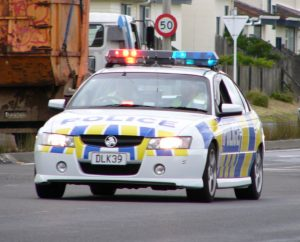2004-2006_holden_vz_commodore_sv6_sedan_new_zealand_police_02